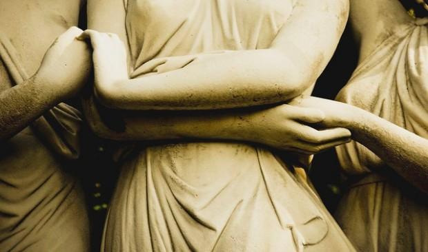women-holding-hands-statue